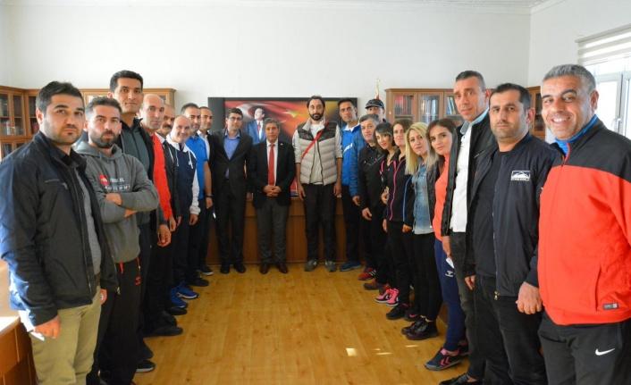 Dereceye giren öğretmenler  Ali Tatlı'yı ziyaret etti