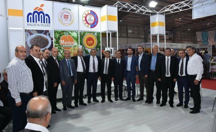 Sadıkoğlu, 2019 Gıda ve Yöresel Lezzetler Fuarı'nı Gezdi