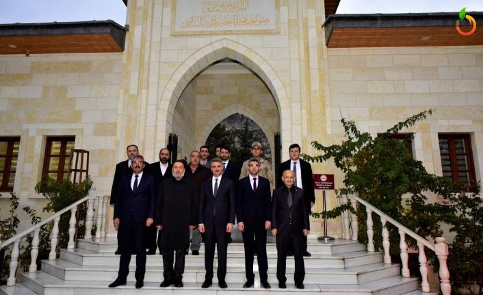 Vali Baruş Darende'de Kurum Yetkilileri ve Muhtarlarla Toplantı
