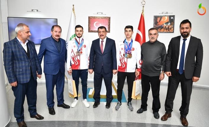 Başkan Gürkan, Kick Boks Dünya 3'üncüsü Mehmet Kaya'yı kabul etti