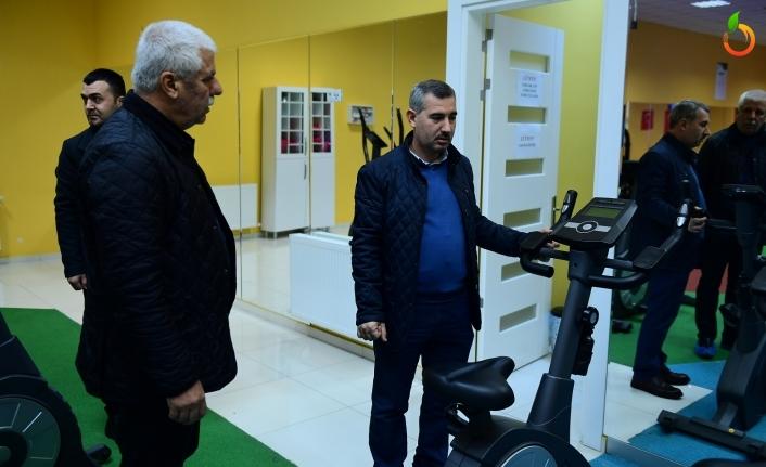 Başkan Çınar, Yakınca Yaşam ve Spor Merkezini gezdi