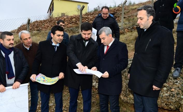 Başkan Çınar, yeni alternatif yol güzergâhlarının bulunduğu bölgeyi inceledi