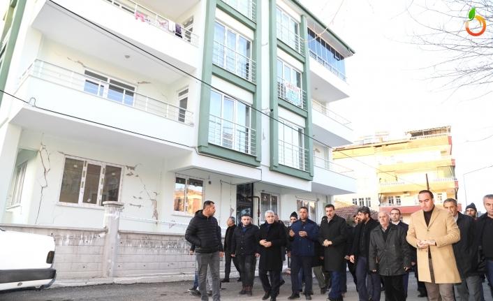 Başkan Güder, Battalgazi'de Zarar Gören Evleri Gezdi