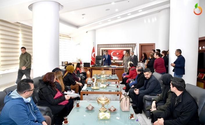 Başkan Gürkan'a Sanat Merkezinde görevli kurs hocalarından ziyaret