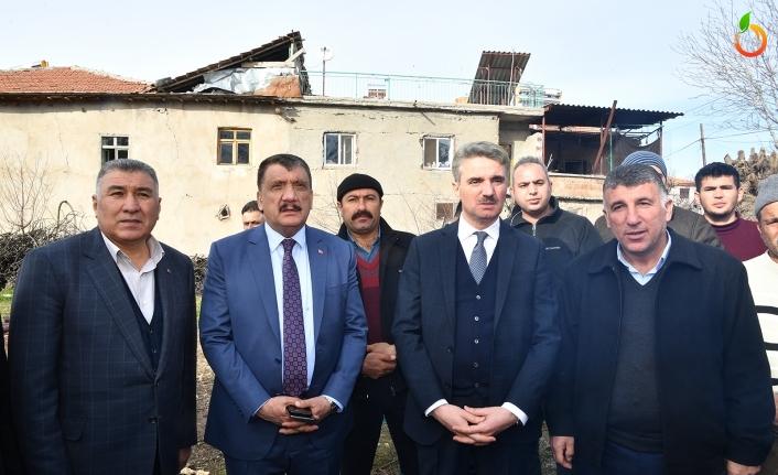 Vali Baruş ve Başkan Gürkan'dan Depremden Hasar Gören Bölgelere Ziyaret
