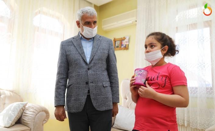 Minik Sude Nur, Başkan Güder'i Duygulandırdı