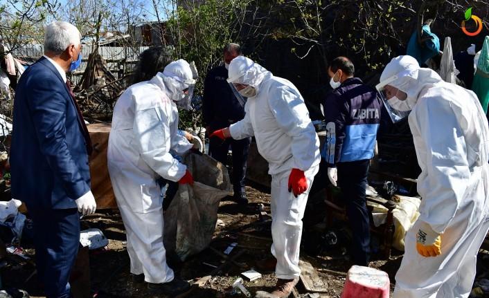 Yeşilyurt Belediyesi O Evden 8 Kamyon Çöp Çıkarttı