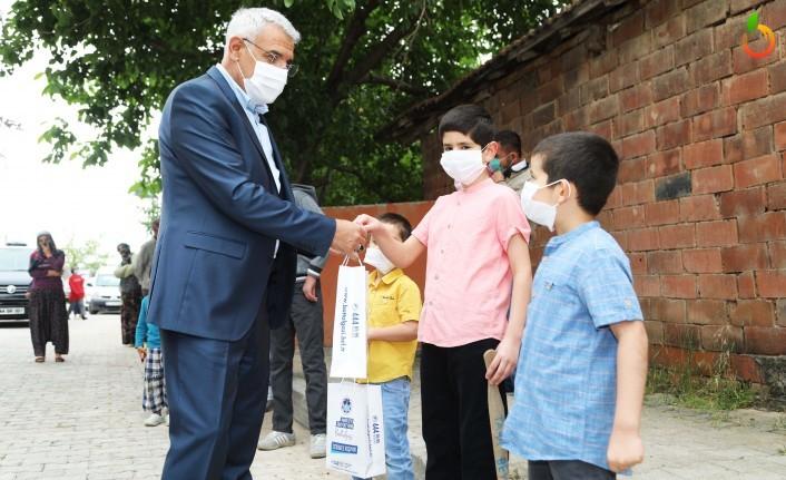 Sokağa Çıkamayan Çocukların Bayram Şekeri Battalgazi Belediyesi'nden