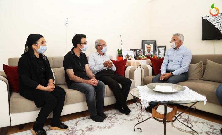 Başkan Güder'den Şehit Babasına Anlamlı Ziyaret