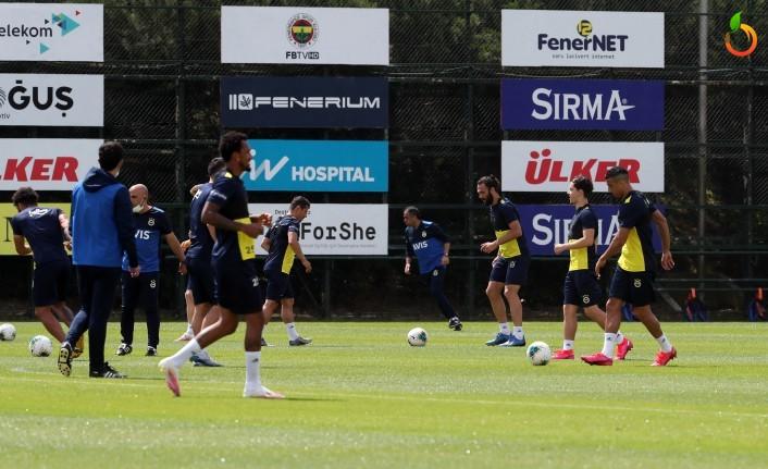 Fenerbahçe'de YMS Maçının Hazırlıkları Sürüyor