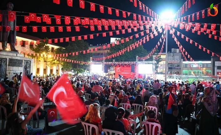 15 Temmuz'da Malatyalılar Yine Meydanları Doldurdu