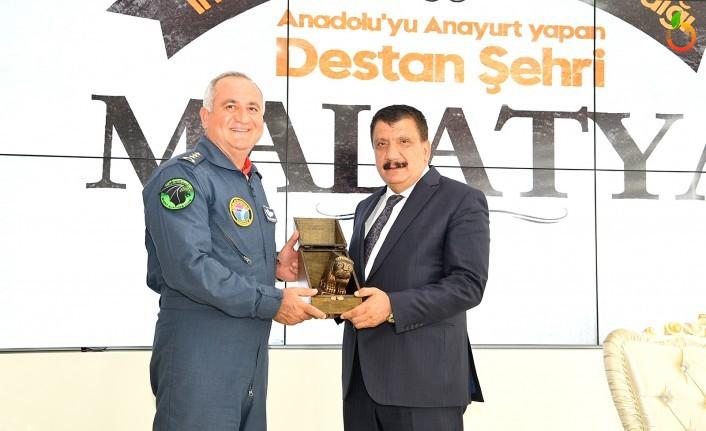Albay Hasan Hüseyin Kanbur'dan Başkan Gürkan'a Veda Ziyareti