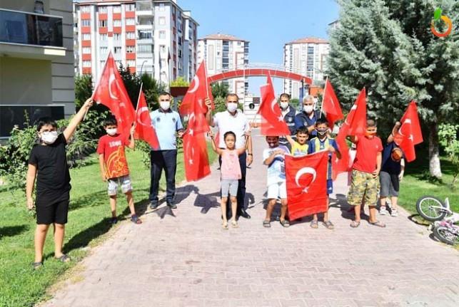 Yeşilyurt Türk Bayraklarıyla Donatıldı