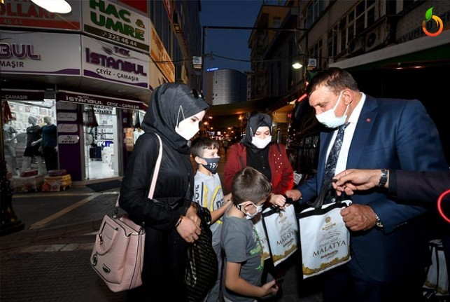 Başkan Gürkan'dan Malatya'ya Kütüphane Müjdesi