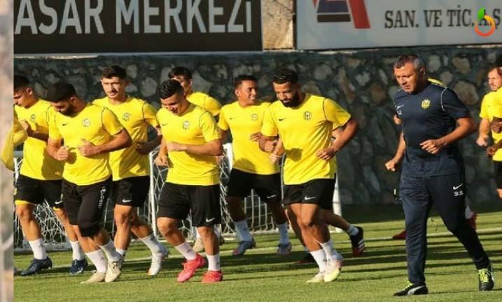 Yeni Malatyaspor'da 9 Futbolcu Takıma Katıldı