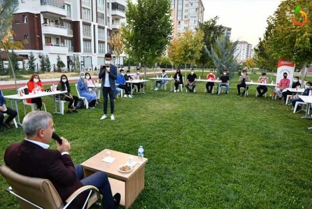 Başkan Çınar,  Bilgi Evinde Gençlerle Biraraya Geldi