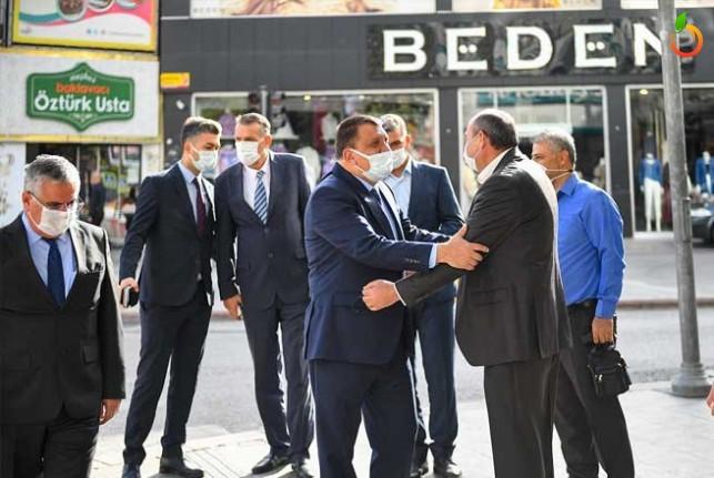 Başkan Gürkan Esnafları Gezdi