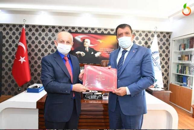 Başkan Gürkan İl Müftüsü Işıldar'ı ziyaret etti
