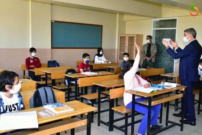 Vali Baruş'tan Kademeli Açılan Okullara Ziyaret