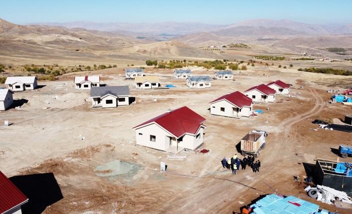 Başkan Güder: 'Köy Evleri Yıl Sonunda Teslim Edilecek'