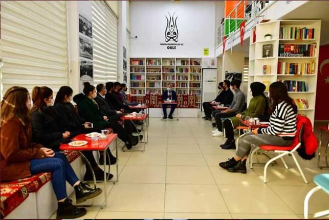 Başkan Çınar, Millet Kıraathanesinde Gençlerle Buluştu
