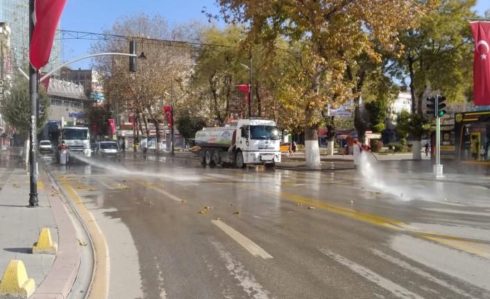 Büyükşehir Belediyesi Temizlik Çalışmalarına Devam Ediyor