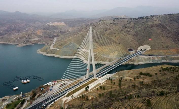 Cumhurbaşkanı Erdoğan, Kömürhan Köprüsünün Açılışını Yaptı