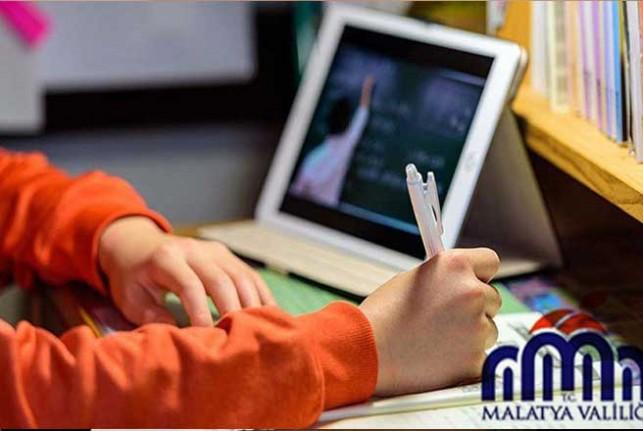 Malatya Valiliği Uzaktan Eğitime Destek İçin Tablet Dağıttı