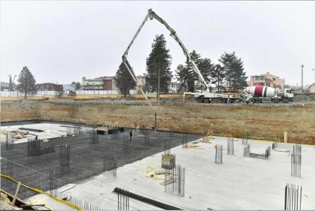 Yeşilyurt Belediyesi Yeni Hizmet Binası İnşaatı Hızla Yükseliyor