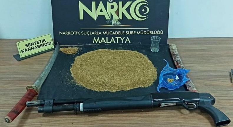 Malatya'da Kılıç, Silah, Bonzai, ve Kaçak İçki Ele Geçti