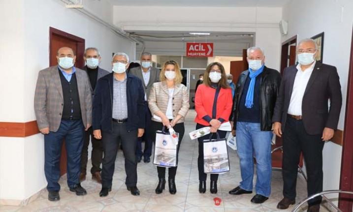 Başkan Güder'den Sağlıkçılara 'Tıp Bayramı' Ziyareti