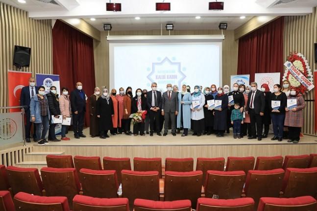 BATKOOP'ta Başarılı Kursiyerler Sertifikalarını Aldı