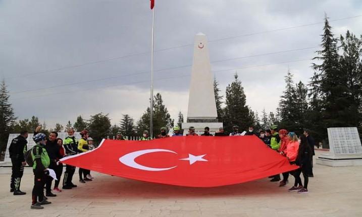 Malatya'nın farklı tarihi mekânlarda İstiklal Marşı'mızın 10 kıtasını okundu