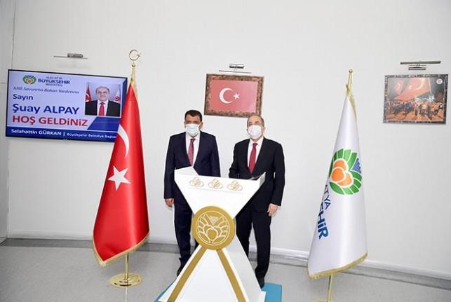 Bakan Yardımcısı Alpay, Başkan Gürkan'ı ziyaret Etti