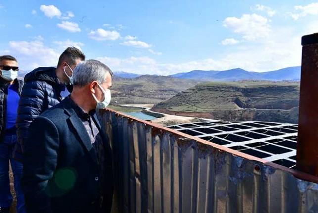 Başkan Çınar, Millet Bahçesinde Yapımı Süren Seyir Terasını İnceledi
