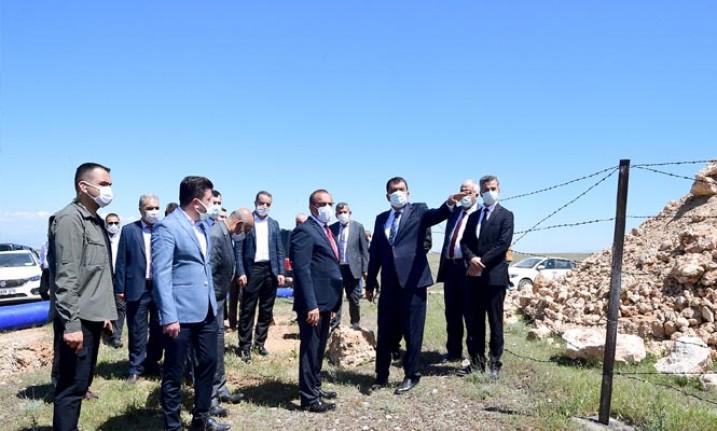 Başkan Gürkan 1000 Tonluk Su Deposu Alanında İncelemelerde Bulundu