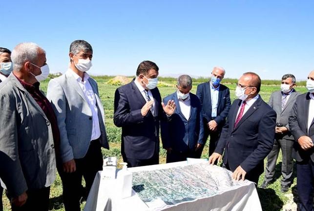 Başkan Gürkan, Sütlüce, Dilek Ve Topraktepe'de Çalışmaları İnceledi