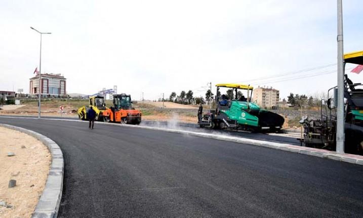 Başkan Gürkan, Yakınca Mahallesinde yol çalışmalarını inceledi