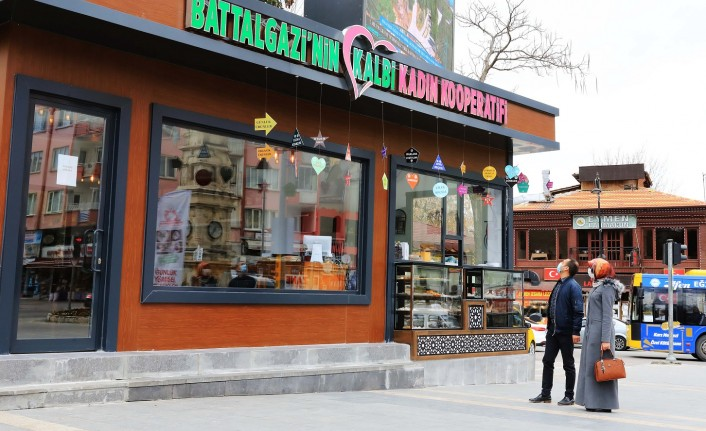 Battalgazi'nin Kalbi Kadın Kooperatifi Kafe Market Büyük İlgi Görüyor