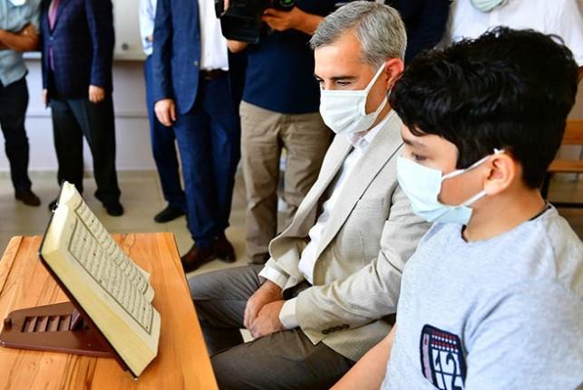 Başkan Çınar, Tobb Hafız İmam Ortaokulunu Ziyaret Etti