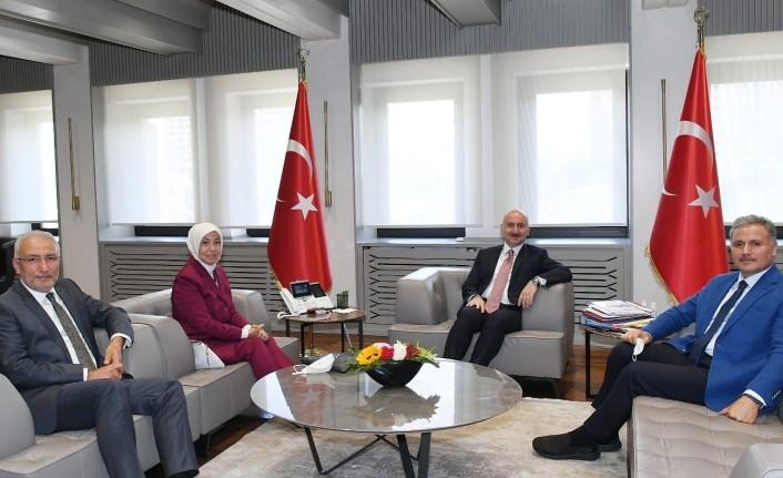 AK Parti heyetinden Ulaştırma ve Altyapı Bakanı Adil Karaismailoğlu'na ziyaret