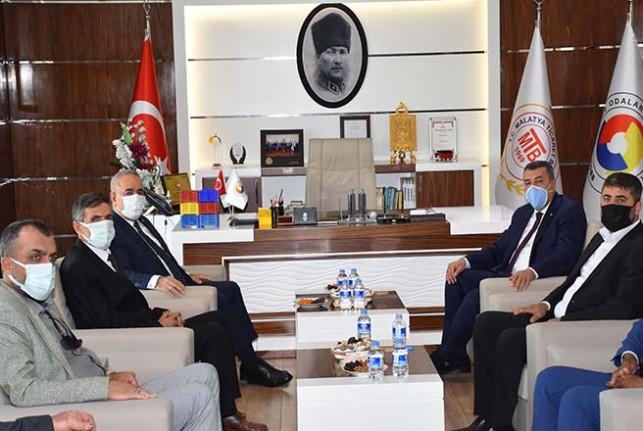 Bakan Yardımcısı Mehmet Hadi Tunç'tan Malataya Ticaret Borsasına Ziyaret