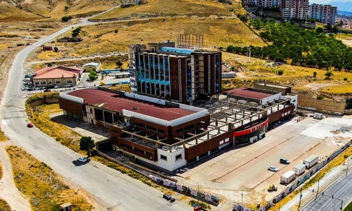 Başkan Gürkan, YİMPAŞ Binasında İncelemelerde Bulundu