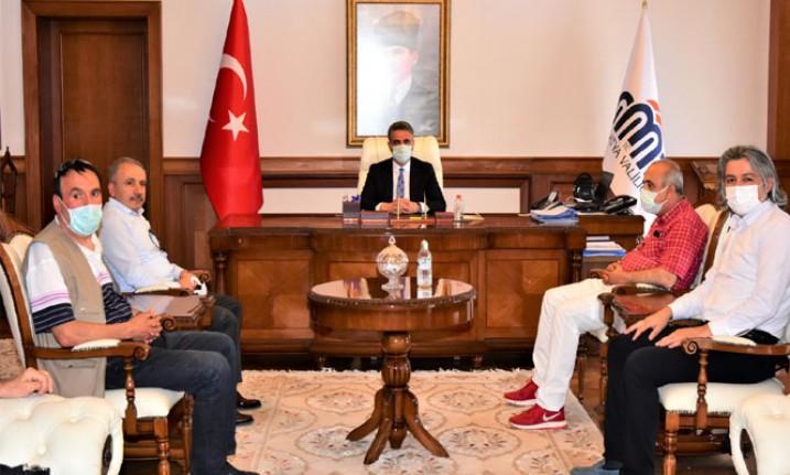Malatya Gazeteciler Cemiyeti Yönetim Kurulu, Vali Baruş'u ziyaret etti