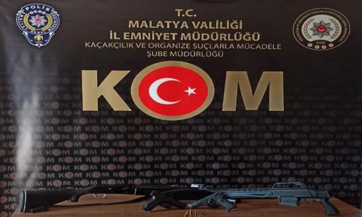 Silah Ticareti Yapan  2 Kişi Tutuklandı