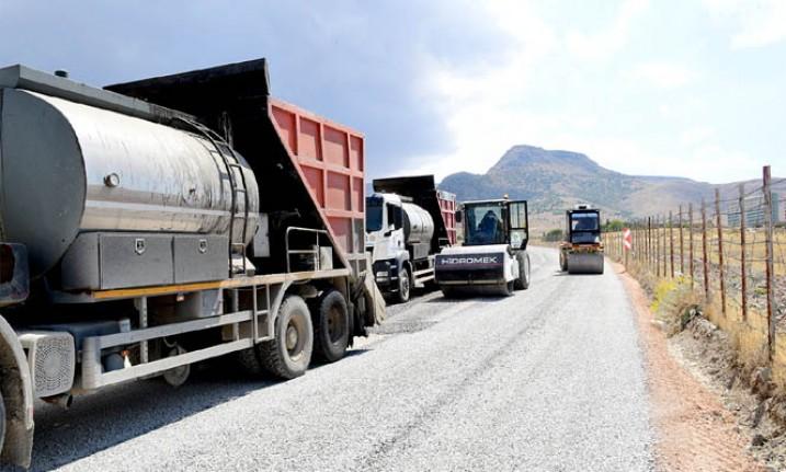 Bulgurlu Mahallesi'nin Yolu Yenileniyor