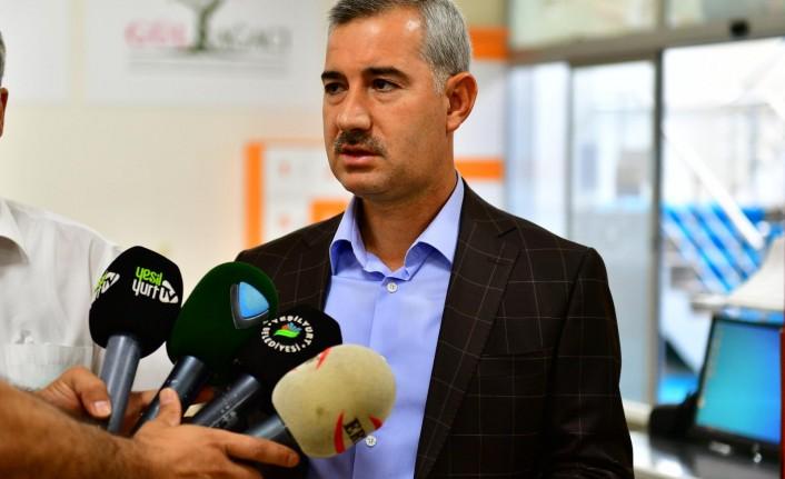Yeşilyurt Belediye Başkanı Mehmet Çınar, Kurban Bağışını Türk Kızılay'ına Yaptı