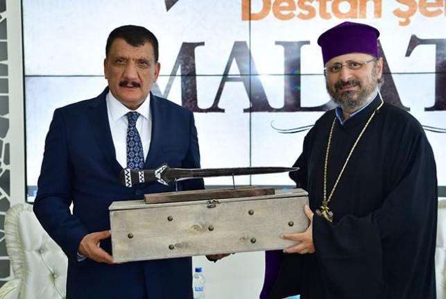 Türk ve Ermeni dostluğu her iki millete de fayda getirir