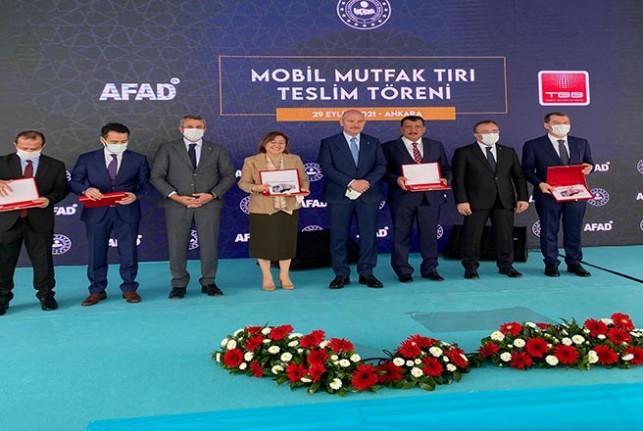 5 Adet Mobil Mutfak Tırından Biri Malatya Büyükşehir Belediyesi'ne Verildi