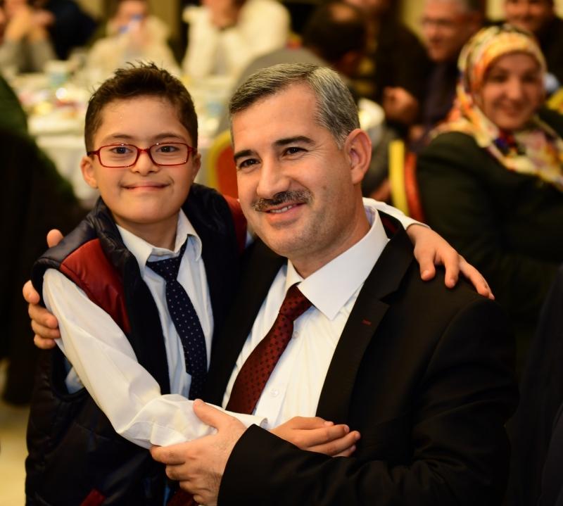 Başkan Çınar,'Kurban İbadeti, Cömertlik Ve Dayanışmadır'